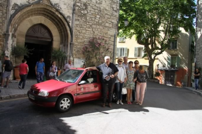 Car donated to refugees in Var